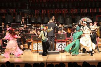 目前的規劃是三年級參觀北美館,四年級觀賞小劇場,五年級欣賞臺北市立交響樂團演出,六年級欣賞臺北市立國樂團演出。